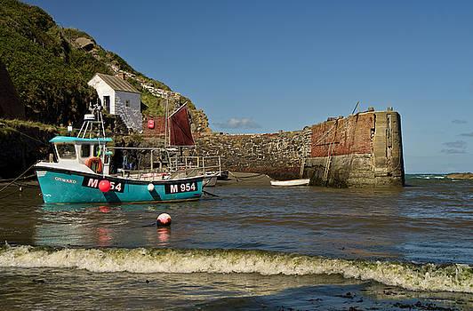 Porthgain in Wales by Pete Hemington