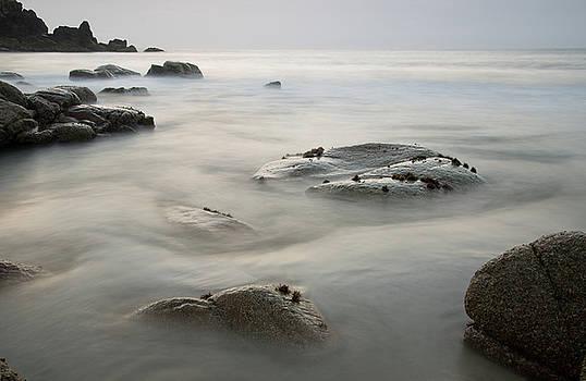 Porthmeor Cove by Pete Hemington