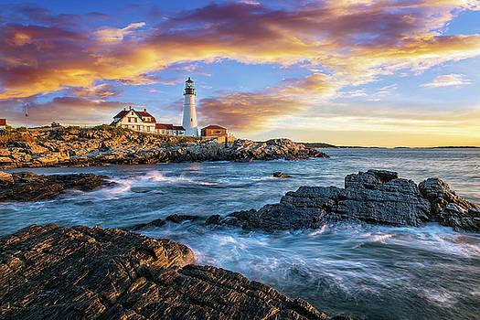 Portland Lighthouse Sunrise by Marcelo Barrera