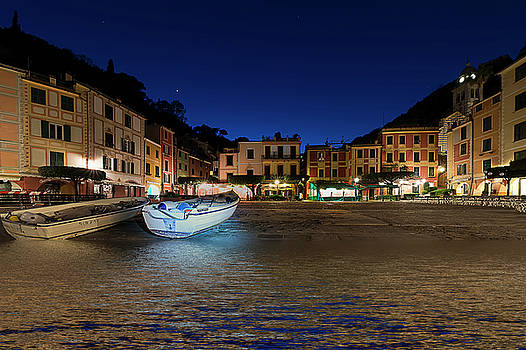 Enrico Pelos - PORTOFINO BAY BY NIGHT III- Piazzetta di Portofino by night