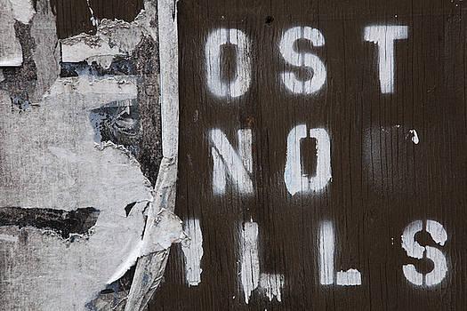 Post no ills by Patrick Jennings