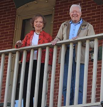 President and Mrs Carter on Plains Inn balcony by Jerry Battle