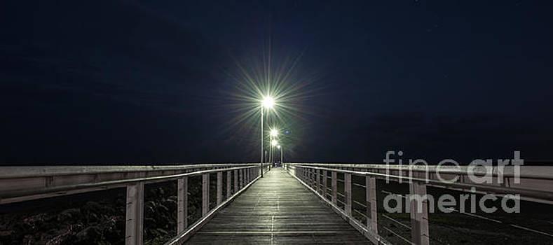 Pristine beach at Wellington Point, Brisbane  by Rob D