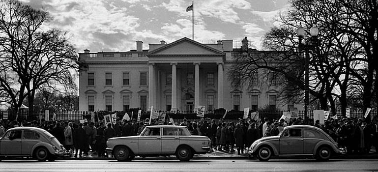 Protest at the White House 1965 by Wayne Higgs