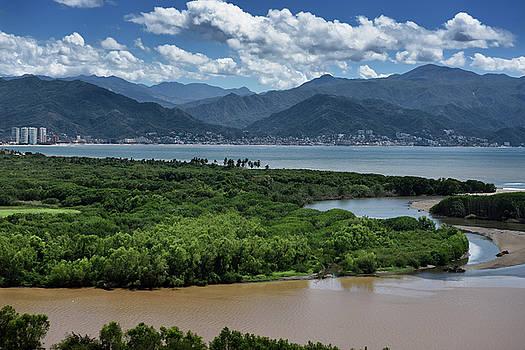 Reimar Gaertner - Puerto Vallarta between Banderas Bay and muddy Ameca river and S