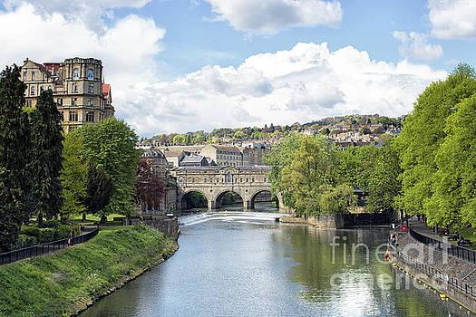 Pulteney Bridge Bath by Lynn Bolt