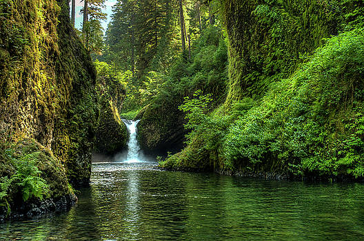 Punch Bowl Falls by Ken Aaron