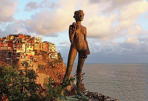 Susan Rovira - Punta Bonifiglio Grape Goddess 2