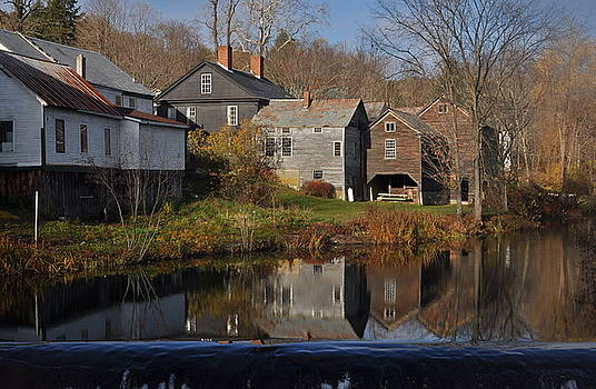 The Wikipedia photo of Putney VT by Gerald Hiam