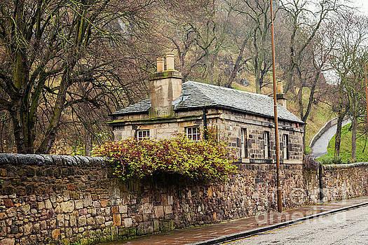 Sophie McAulay - Quaint stone cottage