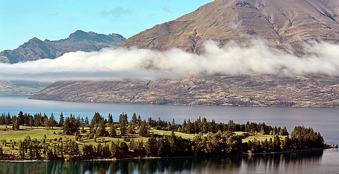 Queenstown New Zealand by Mark Duffy
