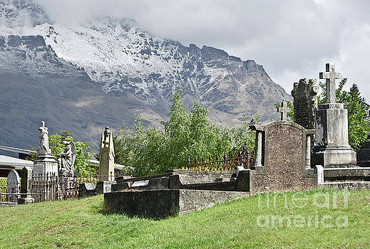 Queenstown New Zealand. Remarkable Ranges and Old Cemetery by Yurix Sardinelly