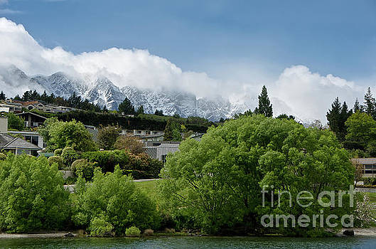 Queenstown New Zealand. Remarkable ranges and waters of lake Wakatipu by Yurix Sardinelly