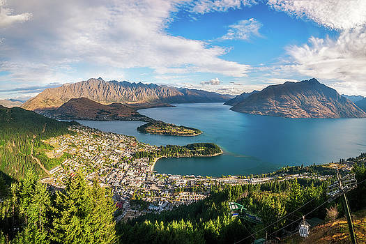 Queenstown Panorama at golden hour, New Zealand. by Daniela Constantinescu