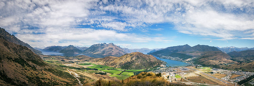 Queenstown Scenic Alpine Panorama in summer by Daniela Constantinescu