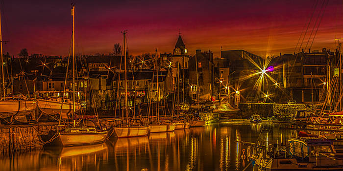 Queesferry Harbour at Sunset by Tylie Duff