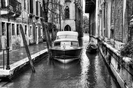 Mel Steinhauer - Quiet Canal In Venice BW