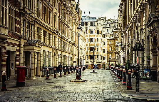 Quiet Street Bishopsgate by Nicky Jameson