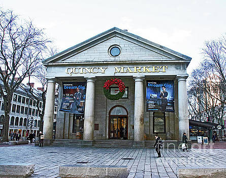 Quincy Market Building by Ruth H Curtis