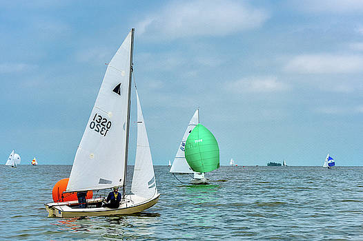 Racing Lake Erie by Michael Arend