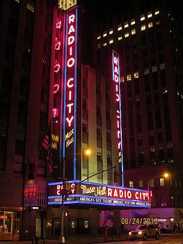 Radio City music hall by Aaron Martens