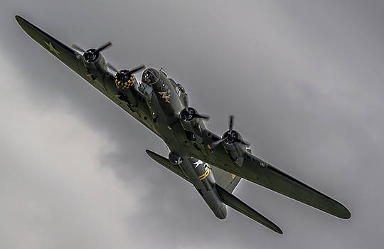 RAF Scampton 2017 - B-17 Flying Fortress Sally B Turning by Scott Lyons