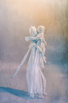Raffia Corn Doll Mother And Child by Elly De vries