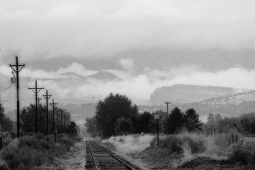 James BO  Insogna - Railway into the Clouds BW