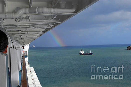 Gary Wonning - Rainbow at sea