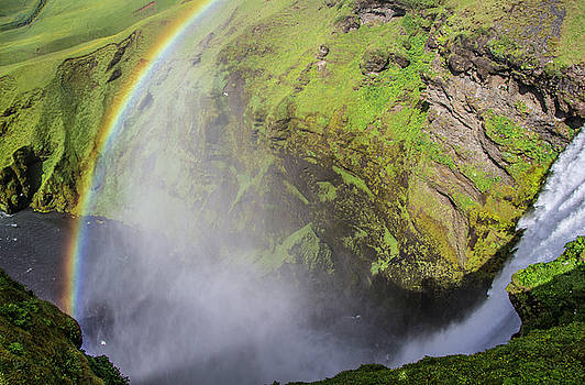Venetia Featherstone-Witty - Rainbows and Waterfalls Iceland