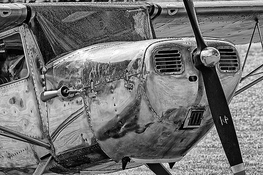Raindrops on a Black and White Cessna - 2018 Christopher Buff, www.Aviationbuff. by Chris Buff