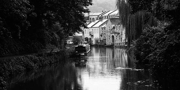 Raining on the canal by Trevor Wintle