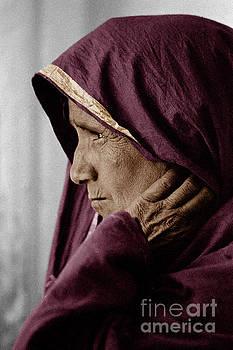 Craig Lovell - Rajasthani Tribal Woman - Pushkar, India