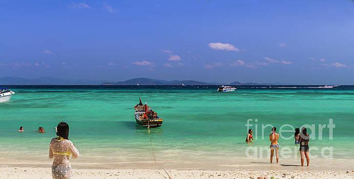 Raya Beach by Thomas Levine