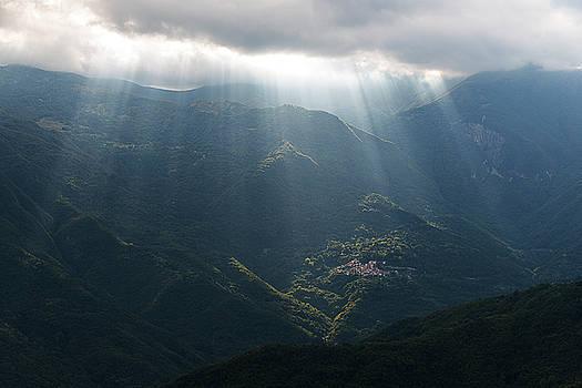 Enrico Pelos - RAYS OF LIGHT IN THE CLOUDS - Raggi di luce tra le nuvole dell