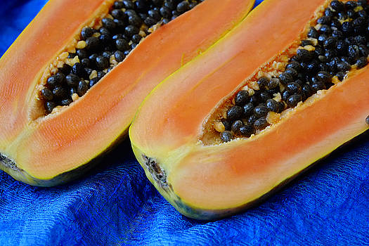 Ready Papaya by August Timmermans