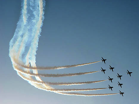 Red Arrows - 1 by Graham Taylor