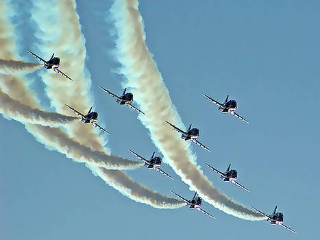 Red Arrows - 2 by Graham Taylor