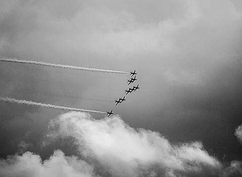 Red Arrows at Eastbourne by Simon Hackett