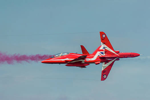 Red Arrows crossover by Gary Eason