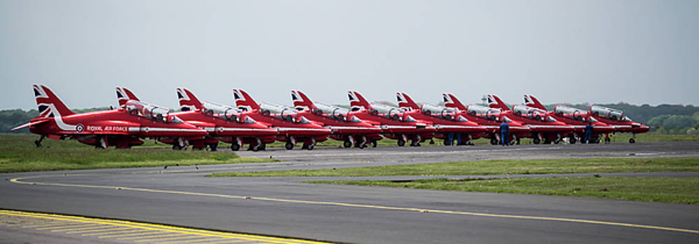 Red Arrows - Teesside Airshow 2016 Aircraft Check by Scott Lyons