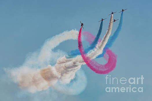 Red Arrows twister by Gary Eason