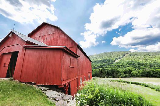 Red Barn by Frank Freni