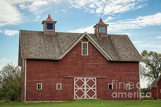 Charming Red Barn by Lynn Sprowl