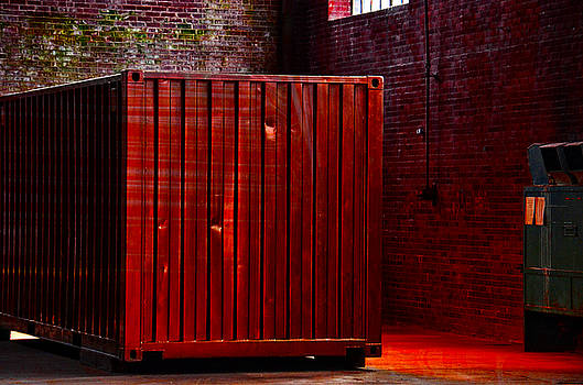 Red container by Ricardo Dominguez