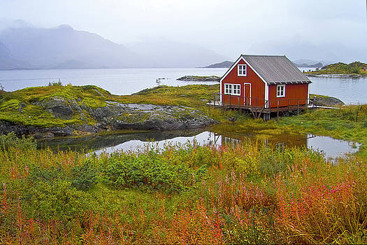 Heiko Koehrer-Wagner - Red fishing hut near digermulen