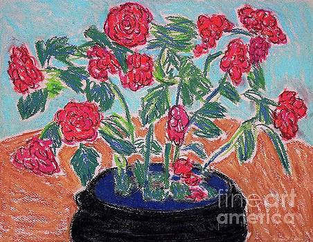 Red Flowers in Black Pot by Gerhardt Isringhaus
