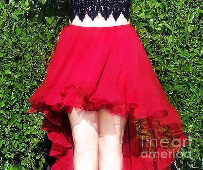 Sofia Metal Queen - Red hot dance skirt. Ameynra fashion