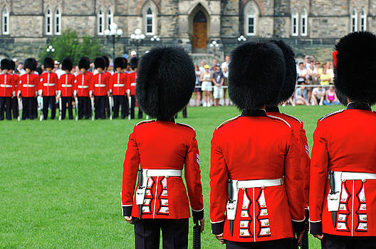 Reimar Gaertner - Red jacket uniforms of Foot Guards at Parliament Hill