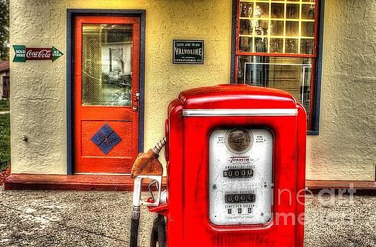 Red Pump by Randy Pollard